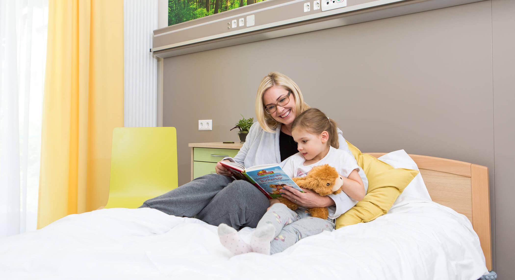 OptimaMed-Wildbad-Kinderreha-Zimmer-Geschichte-vorlesen